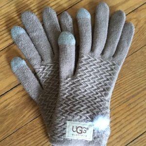 Knit gloves with Pom Pom 🧤